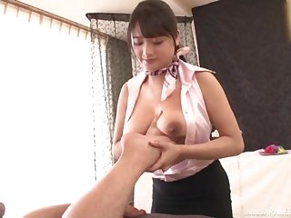 Suhara Nozomi gives the best tit job to her client during the massage
