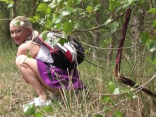 Picnic in the wild nature turns to sex adventure for horny Cayla Lyons