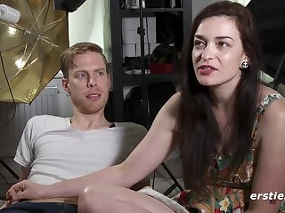 American pair gives interview before making love at the casting