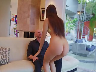 Johnny Sins fucking a tall Latina babe Eliza Ibarra like no one's watching