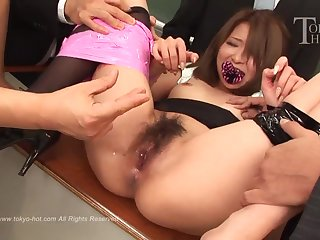 Nana Otone - Japanese schoolgirl in gangbang in the classroom