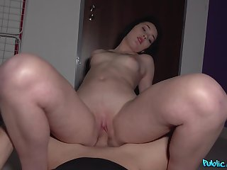 Needy amateur loves the dick and the cash in equal manners