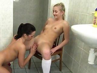 Milf lesbian feet and pussy hd hot blond webcam dance