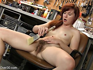 Annabelle Lee is a horny redhead toying