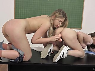 Young girls Selvaggia and Gabriella Lati sexually explore boundaries